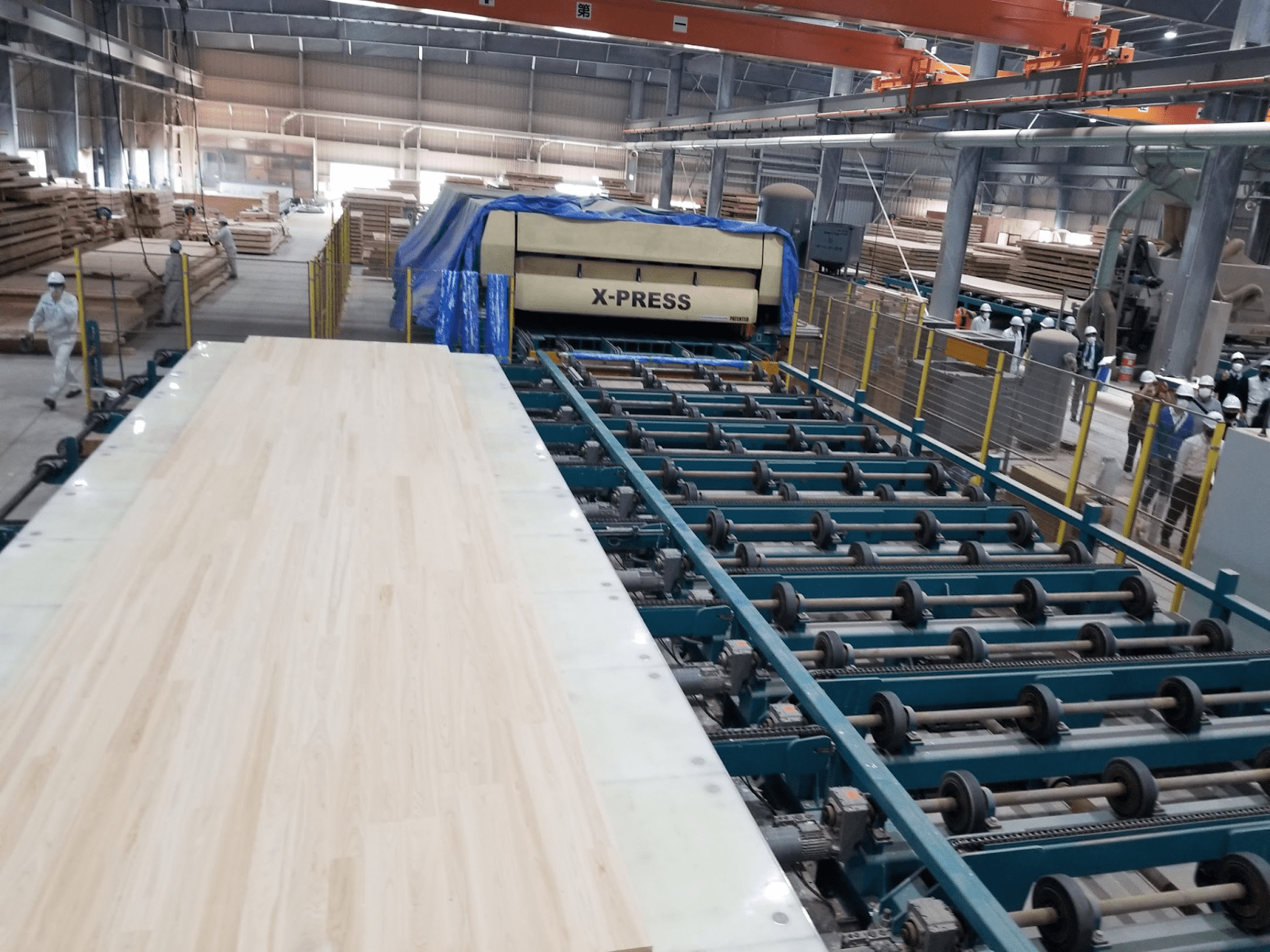 マザーボードは最大12,000×3,000ものサイズになります